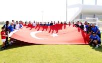 SUBAŞı - Antalyaspor'dan 30 Ağustos Zafer Bayramı İçin Bayraklı Kutlama
