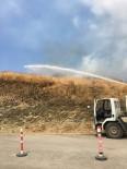 YÜKSEK GERİLİM HATTI - Çalı Yangını Korkuttu