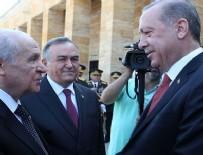 ANıTKABIR - Erdoğan ve Bahçeli arasında samimi sohbet