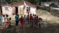 SAĞANAK YAĞIŞ - Evlerini Ve İş Yerlerini Su Basan Vatandaşlar Yaralarını Sarıyor