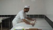 Kızıltepe'de Tatlıcılar Bayrama Sayılı Günler Kala Yoğun Mesaide