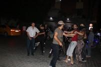 HANEDAN - Mahalleli Ve Suriyeli Aile Arasında Sopalı Bıçaklı Kavga Açıklaması 2 Yaralı
