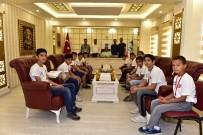 BEDENSEL ENGELLİ - Şampiyonlardan Başkan Atilla'ya Ziyaret