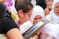 Şehit Kızının Feryadı Yürek Dağladı Açıklaması 'Baba, Bırakma Beni'
