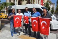 FARUK ÇELİK - Şehzadeler'den Vatandaşlara 2 Bin Türk Bayrağı