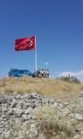 KARAKOL KOMUTANI - Seydişehir'de Yüksek Kayalığa Türk Bayrağı Dikildi