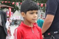 ÖMER TORAMAN - Suriyeli Çocuğun 30 Ağustos Zafer Bayramı Hassasiyeti