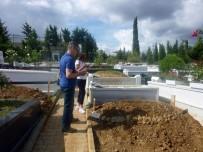 Filiz Aker - Vatan Şaşmaz'ın Kabri Ziyaretçi Akınına Uğradı