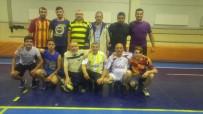 VOLEYBOL MAÇI - Yaşlılarla Gençlerin Voleybol Maçı