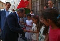 RECEP AKDAĞ - Akdağ Çocuklara Hediye Dağıttı