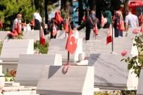 EDIRNEKAPı - Edirnekapı Şehitliği'ne Ziyaretçi Akını