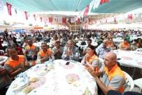 HÜSEYIN MUTLU - Karşıyaka'da 2 Bin Kişiyle Bayram Yemeği