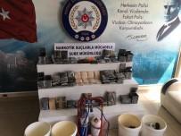 GİZLİ BÖLME - Salça Kutularından Uyuşturucu Hap Çıktı