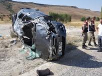 BERFIN - Sivas'ta Trafik Kazası Açıklaması 2 Yaralı