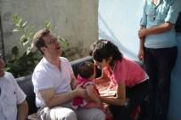 Vali Ünlü, İhtiyaç Sahibi Aileleri Ziyaret Etti