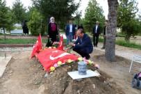 ŞEHİT AİLELERİ DERNEĞİ - Yozgat'ta Şehitlikte Hüzünlü Arife