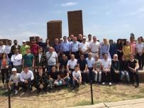 BÜLENT TEKBıYıKOĞLU - Artvinliler Ahlat'taki Tarihi Mekanları Gezdi