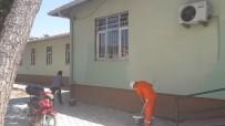 HÜKÜMLÜLER - Bergama'da Kamu Kurumları Hükümlüler Tarafından Boyanıyor