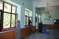 KITAPLıK - Bitlis'teki Camiler Gül Suyu Kokuyor