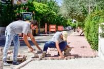 BÜLENT ECEVIT - Fener'de Kaldırım Çalışmaları Başladı
