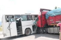 AHMET TÜRK - İşçi Servisi Kaza Yaptı Açıklaması 27 Yaralı