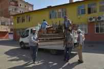 ÇÖP KUTUSU - Okul Bahçelerine Oturma Bankları Ve Çöp Kutuları Yerleştiriliyor