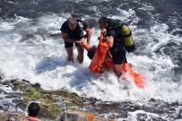GÖZ MUAYENESİ - Sinop'ta Kayıp Gencin Cesedi Mağarada Bulundu