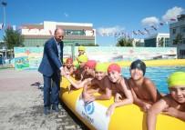 SULTANGAZİ BELEDİYESİ - Sultangazili Çocukların Yüzme Keyfi