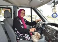 Trabzon'da Ayın Şoförü 18 Yıldır Öğenci Servisi Şoförlüğü Yapan Ayşe Beşir Oldu