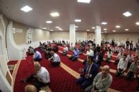 KITAPLıK - Van Büyükşehir Belediyesi Camisine Kavuştu