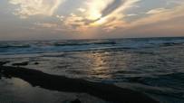 KAYACıK - Balık Avlamak İçin Daldı, Vurgun Yedi