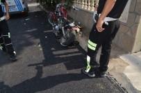 HAFRİYAT KAMYONU - Hafriyat Kamyonu İle Motosiklet Çarpıştı Açıklaması 1 Yaralı