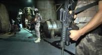 KAÇAK AKARYAKIT - İstanbul'da Özel Harekat Destekli Operasyon Açıklaması 13 Gözaltı