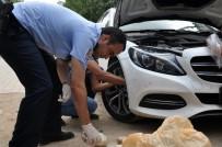 ALI ÖZTÜRK - Park Halindeki Lüks Otomobilin Kaportasından 36 Kilo Esrar Çıktı
