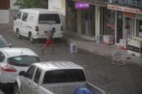 SAĞANAK YAĞMUR - Sağanak Yağış Milas'ı Serinletti