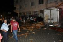 DENIZ PIŞKIN - Tosya'da Şiddetli Yağmur Ve Rüzgar Evlerin Çatısını Uçurdu