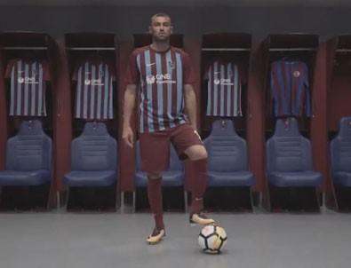 Trabzonspor, Burak Yılmaz'ı 'Kralın Dönüşü' videosuyla duyurdu