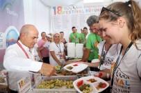 BALIK EKMEK - Türk Yemekleri Bu Festivalde Dünyaya Tanıtıldı