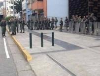 MANIPÜLASYON - Venezuela'da askerler savcılığı kuşattı