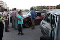 BERFIN - Adıyaman'da İki Otomobil Çarpıştı Açıklaması 4 Yaralı
