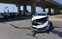 HASAN KAHRAMAN - Antalya'da Trafik Kazası Açıklaması 1 Yaralı
