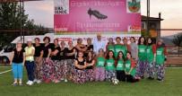 Bursa'da Kadınlar Şalvar Giyip Sahaya İndi
