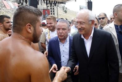 Kılıçdaroğlu Antalya'da yağlı güreşleri izledi