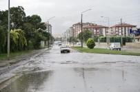 SAĞANAK YAĞMUR - Eskişehir Sabah Saatlerin Yağmura Teslim Oldu