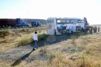 İki İlde Otobüs Kazası Açıklaması 55 Yaralı