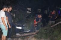 İTFAİYECİLER - İtfaiye Ekipleri Sabaha Kadar Enkaz Temizledi