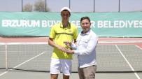 TENİS TURNUVASI - Kardelen Cup'ta Şampiyon Lucas Catarina Oldu
