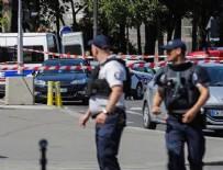 BIÇAKLI SALDIRI - Paris'te bıçaklı saldırı paniği