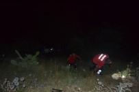 ZEYTINLIK - Park Halindeki Otomobile Çarpıp Uçuruma Yuvarlandılar