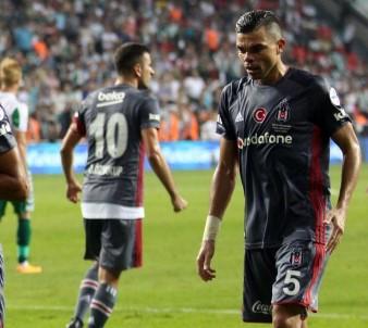 Pepe ve Negredo ilk resmi maçına çıktı